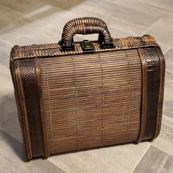 None Other - Small Wicker Wooden Latched Decor Suitcase Box